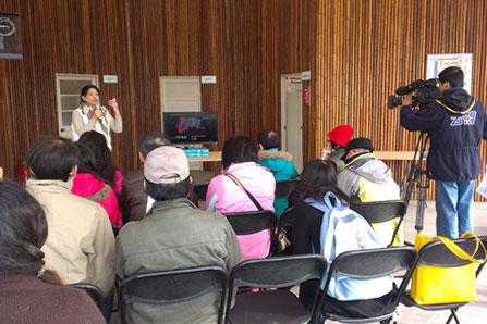 媒體參訪雲林農博「碳匯林場」,聽取簡報說明