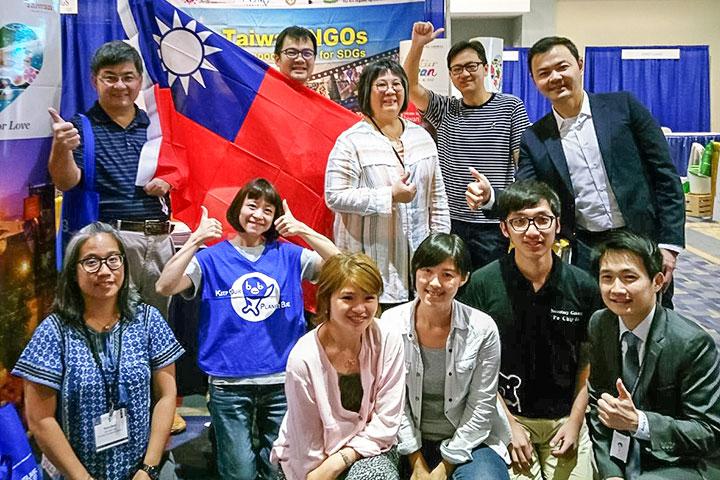 慈心赴2018美國國際志工年會,與各國NGO分享淨塑行動