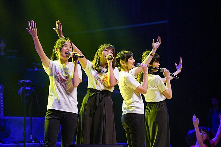 福智青年讚頌團演繹讚頌〈相思湖畔〉