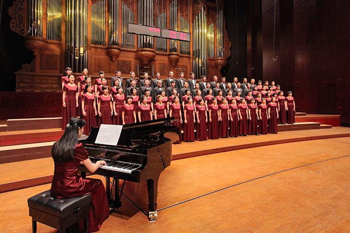 夢蓮花文化藝術基金會讚頌合唱團