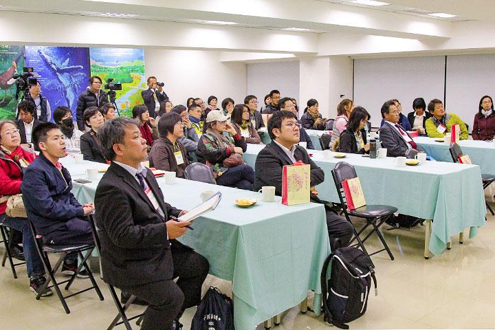 推動減塑,日本沖繩政府與環團來臺參訪里仁公司