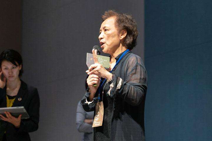 里仁公司總經理李妙玲在會中闡述里仁在20年間,以創造力開發多元化商品,陪伴臺灣在地有機農友克服種種挑戰