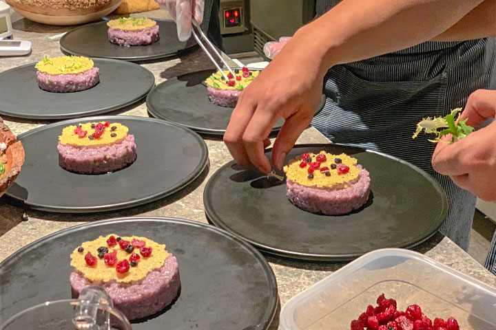 里仁、La Moment合辦「北美藍寶石的幸福饗宴」,體驗加拿大野生藍莓的滋味