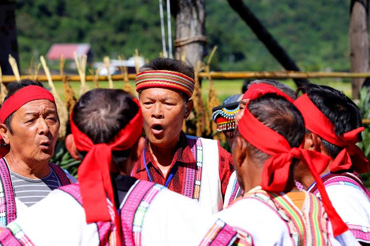 慈心「從瓦拉米到Malavi」成果展,在卓清村布農族人的八部合音歌聲中,帶領大家一同走進人與土地、生態自然和諧共存的布農山村田區