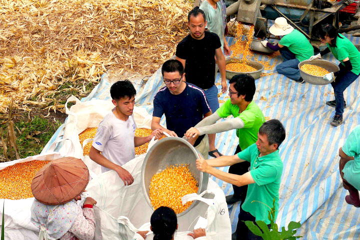 里仁總經理李妙玲於亞洲首屆「社會價值國際研討會」分享「跨產業價值鏈的社會企業模式」,以「協助花東部落復興本土雜糧」案例分享企業利他共享價值