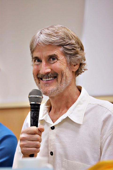 慈心基金會與里仁邀請國際蔬食倡議先驅威爾塔托博士來台,分享以和平飲食為核心的慈悲革命理念