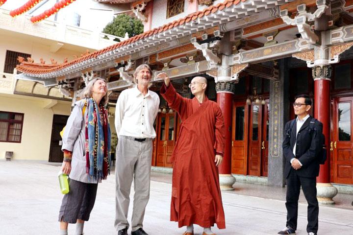 參訪福智新竹鳳山寺。(圖片來源/慈心有機農業發展基金會)
