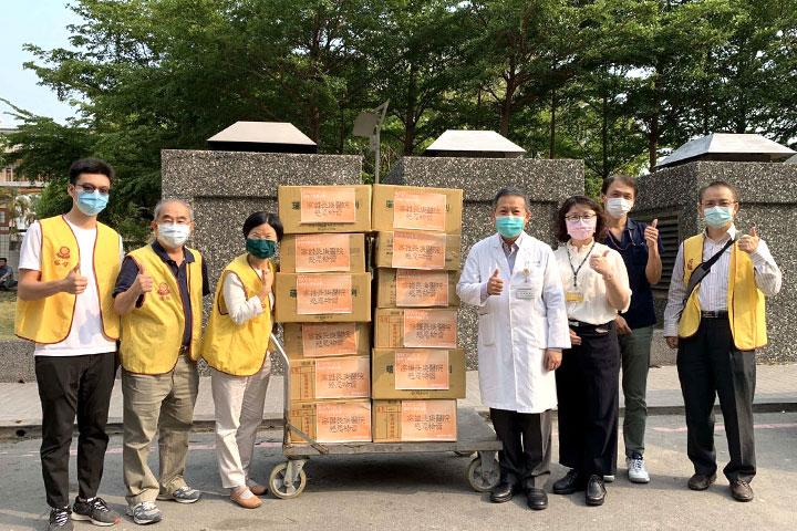 福智文教基金會醫聯會前往高雄長庚紀念醫院捐贈關懷物資