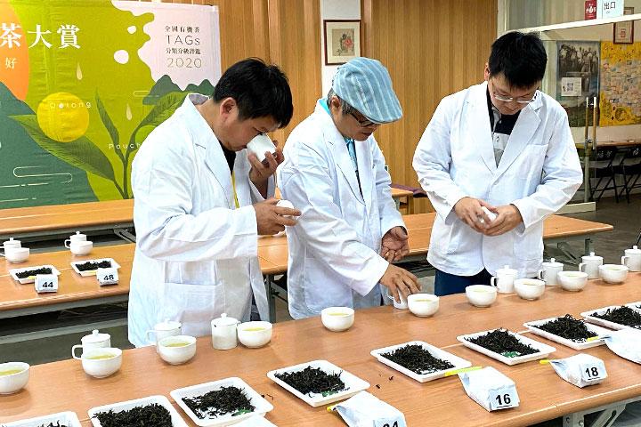 第一屆全國有機包種茶分級評鑑甫於6月1日完成,由茶業界公認的產官學三位代表進行評鑑作業