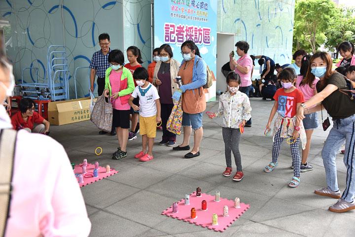 「親親寶貝動動樂」活動,讓親子在輕鬆趣味中互動