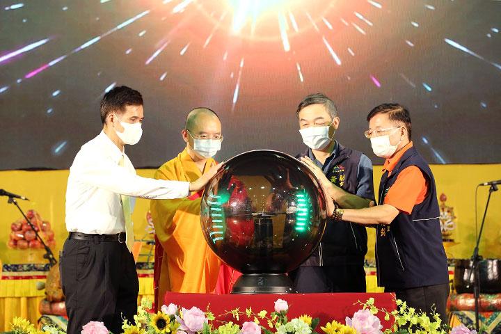 「2020 中元普渡暨感恩祈福超薦法會」為世界祈福點燈儀式