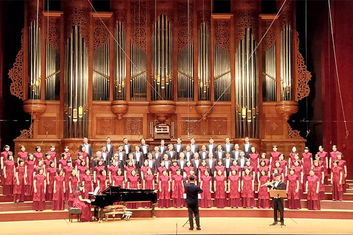 夢蓮花讚頌合唱團於「真如的詩與歌」讚頌音樂會獻唱「藍天無語、水中蓮花、大悲光、沙漠玫瑰」等多首新讚頌