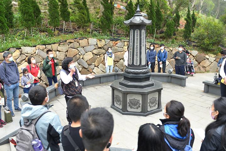 「2021福智青年寺院參訪」同學們認識日常老和尚曾駐錫的鳳山寺寺院各處
