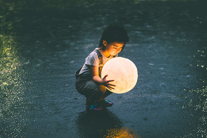 母親,像月亮般慈愛的名字
