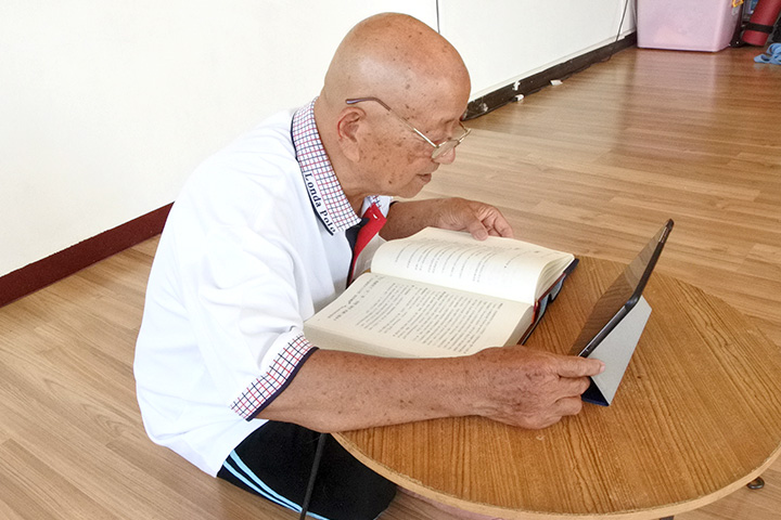 精進學法   得師思念——86歲林海平親近善士傳佳話