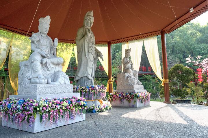 禪僧法師希望大家學習觀音菩薩的大悲、文殊菩薩的大智、普賢菩薩的大行。