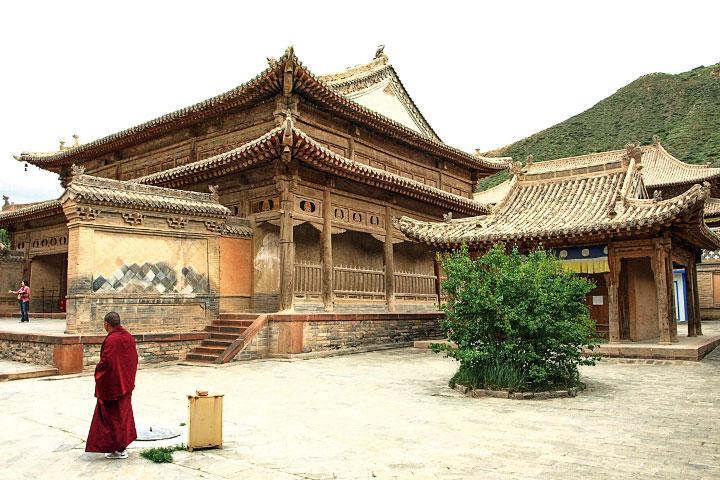 青海瞿曇寺。 (翔舟旅行社提供)