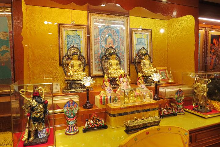 義工臉譜:焚香燃燈——虔敬的佛陀侍者