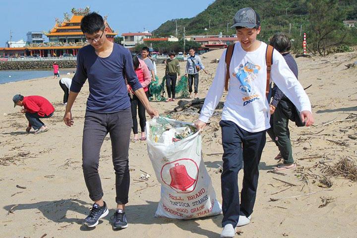 福智團體已經舉辦過多次淨灘活動