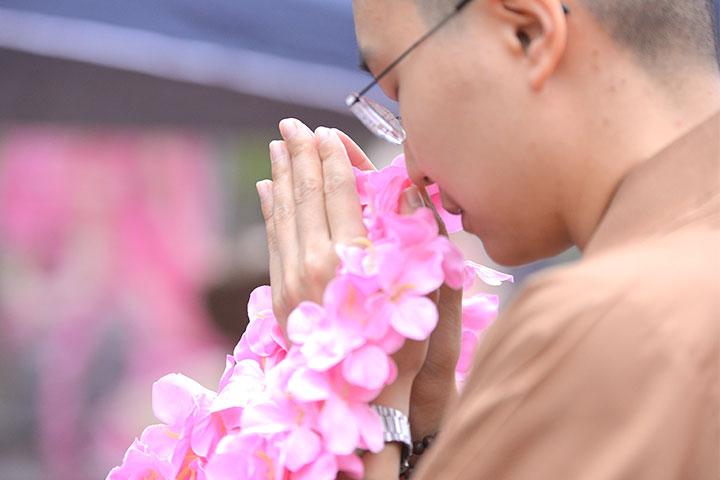 福智尼僧團法師供養